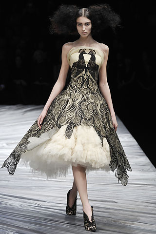 Did harry potters wedding dress knock off alexander mcqueen flare oct 28 2010 brittany barkwell 0 junglespirit Gallery