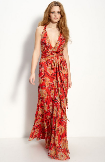 8e17bc5be238 Steal her Style  Nicole Richie s Floaty Floral Maxi Dress - Flare