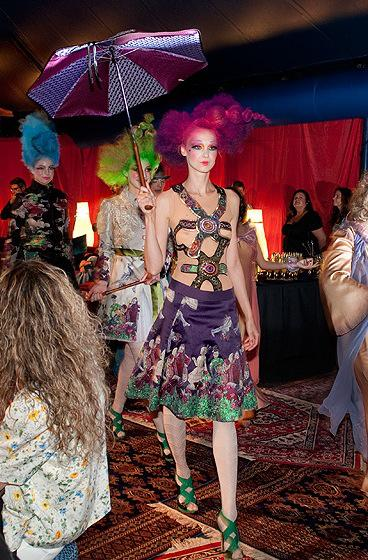 Cirque du Soleil Collaborates With Desigual For Apparel Line