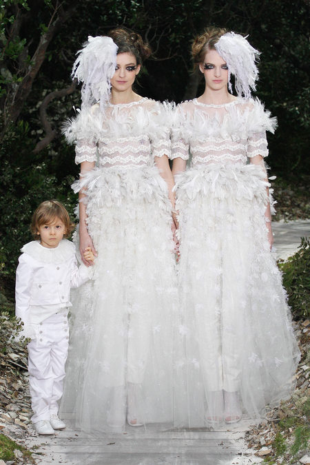 <b>Bridal Couture: Chanel Spring 2013</b>