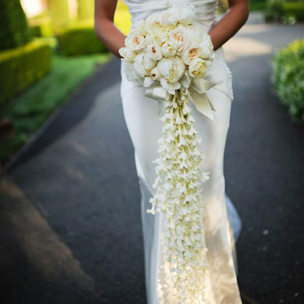 10 Unique Bridal Bouquets To Inspire Your Big Day