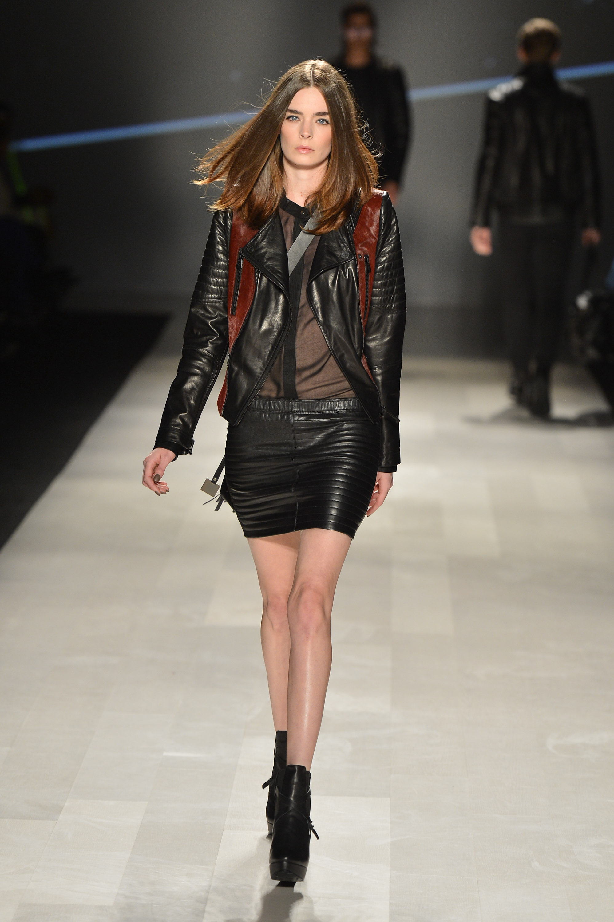 <b> Toronto Fashion Week: Rudsak Fall 2013 </b>