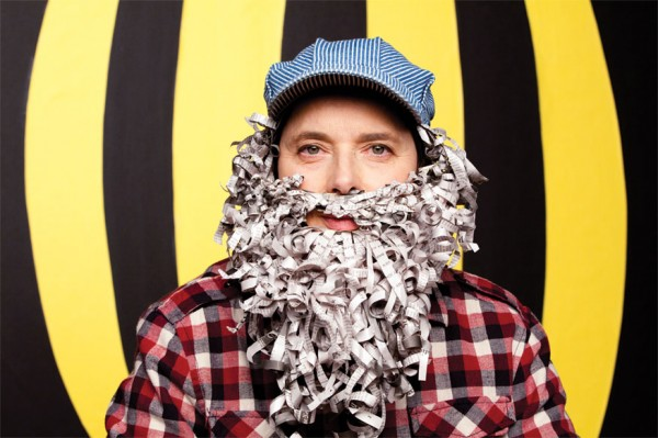 Isabella Rossellini dressed as Shavitz for bee-related PSAs