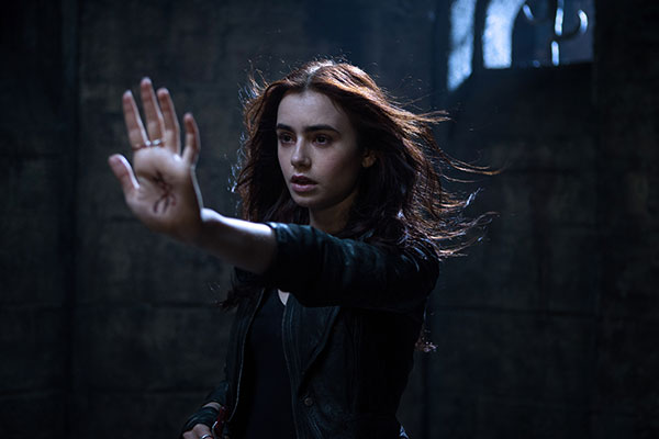 lily-collins-city-of-bones