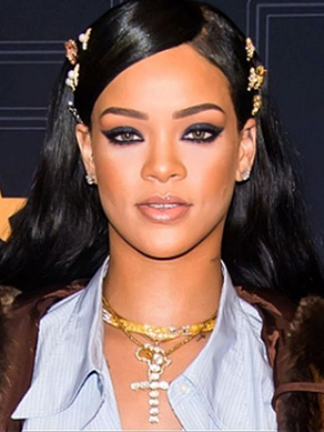 rihanna-jewellery-small