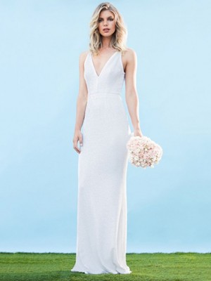 The Harper mermaid gown is the perfect example of sweet and simple wedding dresses under 1000