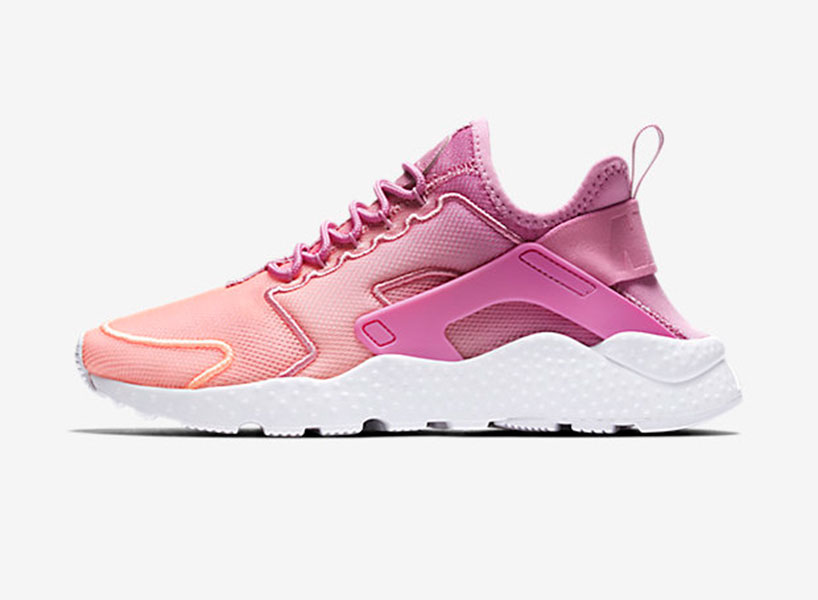 Nike Air Huarache's have a pastel colourway that lets we daub into a ultimate normcore member of Seinfeld fashion