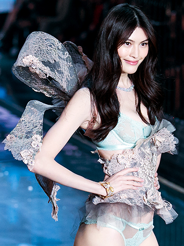 Meet the Chinese Models Dominating This Year's Victoria's Secret Show