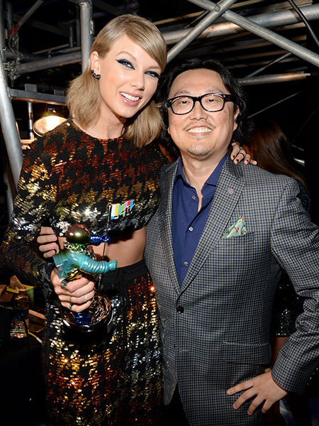 Taylor Swift and Joseph Kahn attend the 2015 MTV Video Music Awards at Microsoft Theater on August 30, 2015 in Los Angeles, California.