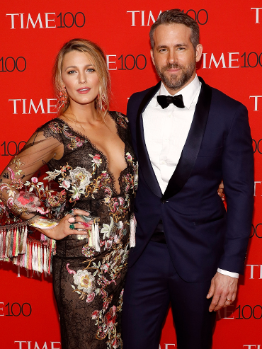 blake lively and ryan reynolds on red carpet