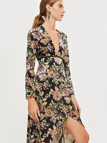 Dress for fall wedding: floral dress from Topshop.