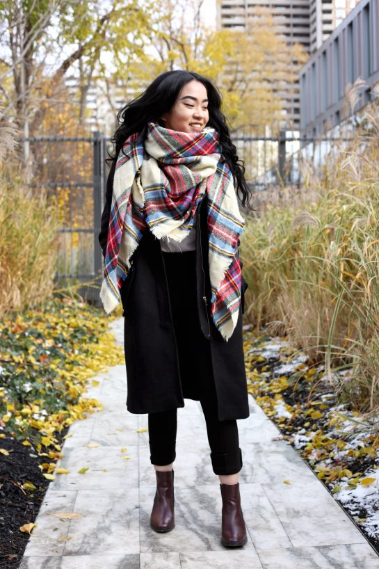 How To Wear A Blanket Scarf 101 6 Easy Ways To Rework A