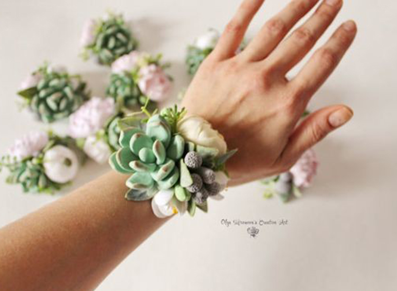 Prom corsage ideas 2018s biggest trends flare 10 mightylinksfo