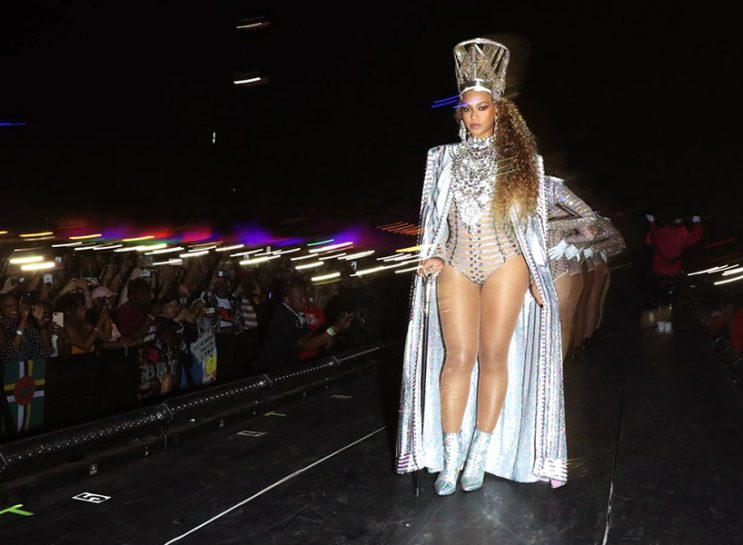 Beyonce Coachella Fashion: Beyonce in a Nefertiti-inspired look from Coachella's second weekend