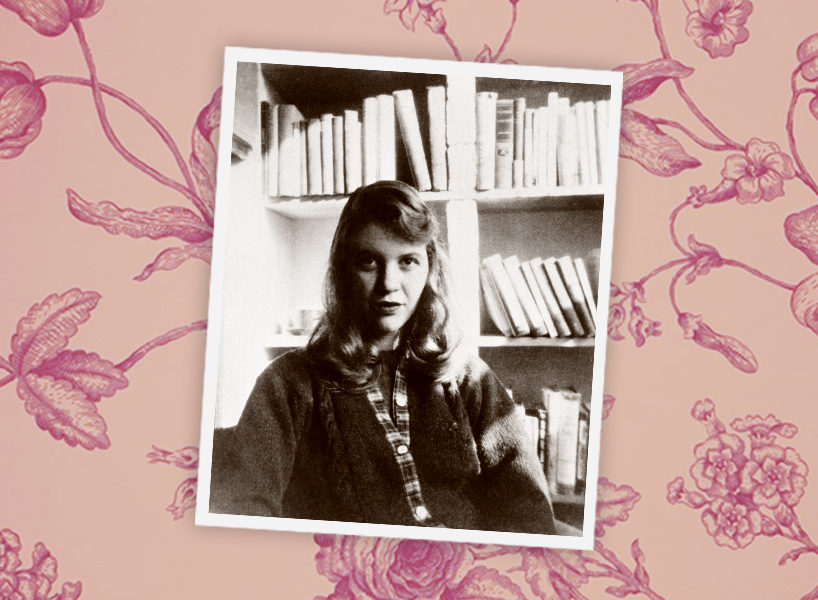 A black and white photo of Sylvia Plath seated in front of a book shelf
