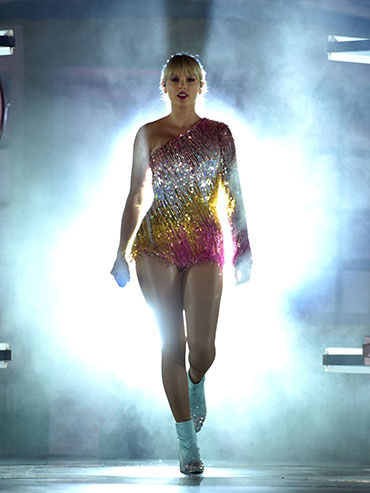 Taylor Swift performs at the BBMAs