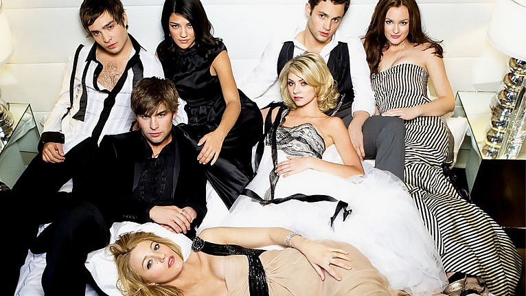 gossip girl netflix best episodes: a cast photo from Gossip Girl